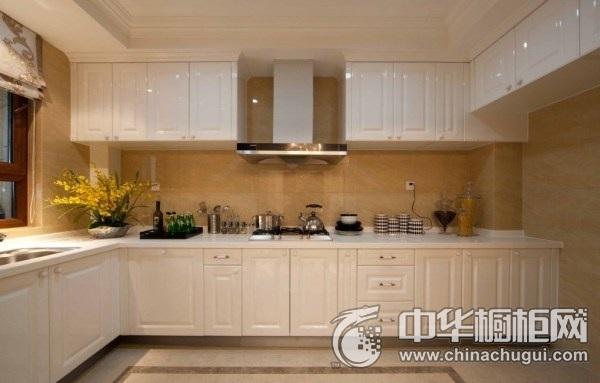 三居室简欧风厨房橱柜装修效果图 白色整体橱柜效果图