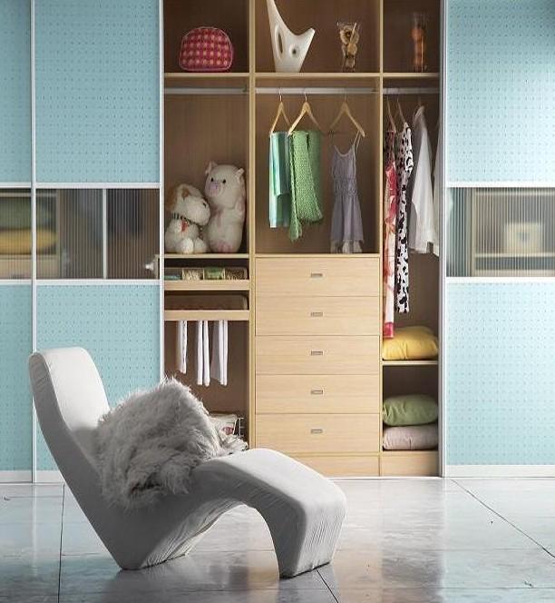 现代趟门整体衣柜图片